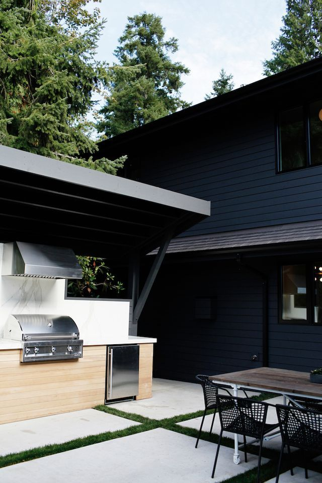 While they were house hunting in Seattle, Bob and Michele Conrad met builder Todd Lozier and he told them about a project he was working on, a 1966 house designed by modernist architect Ralph Anderson