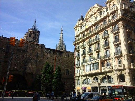 Contraste ombre/lumière. Calle Laeticia, Barcelona. 29/10/2015