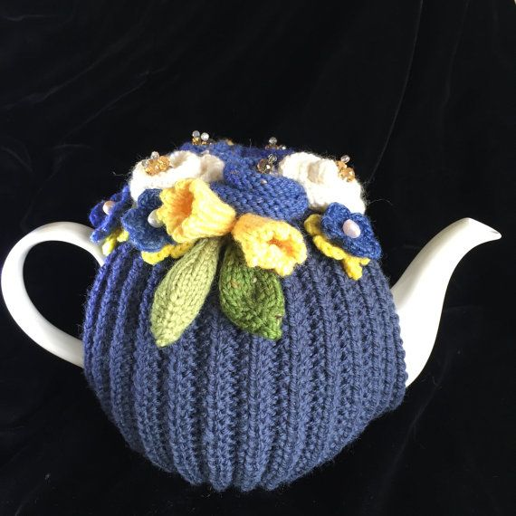 Rickety Gates Bespoke Hand Knitted Tea Cosy  4-6 cup