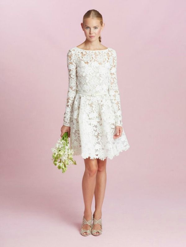 Amazing Oscar de la Renta Fall Wedding Dresses Are Romantic and Detailed
