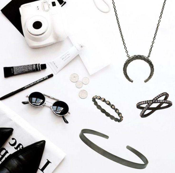 My jewelry wishes. #hvisk #hviskstyling #hviskstylist #hviskjewellery #smykker #smykke #jewellery #ring #ringe #fingerring #fingerringe #rings #halskæde #halskæder #armbånd #bracele #armringe #mode #ønsker #julegaveønsker #christmaswish #christmaswishs #juleønsker