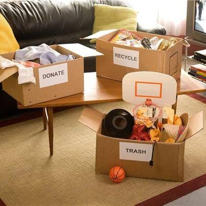 Etykiety wysyłkowe na paczki i przesyłki są również bardzo pomocne w trakcie sprzątania.