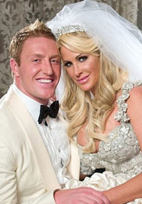 Kroy Biermann and Kim Zolciak. Seriously THEEE cutest couple<3
