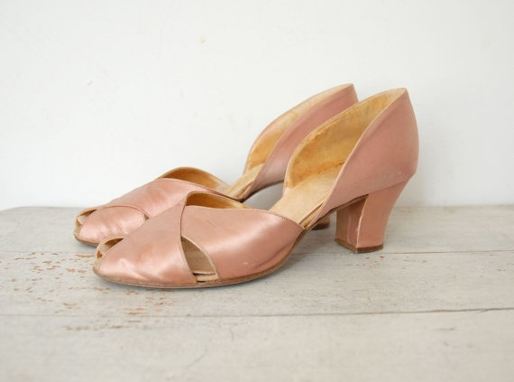1930s Pink Satin Peep Toes