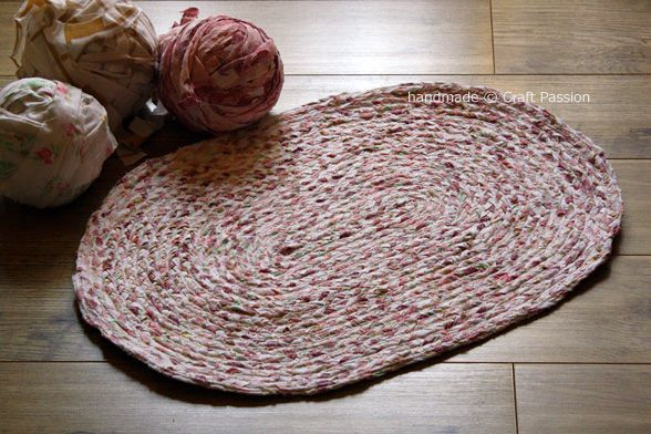 Recycle Tutorial: Braided rag rug made from old sheets!