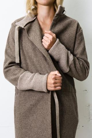 ESPERAR POR wool straight coat by Sennes