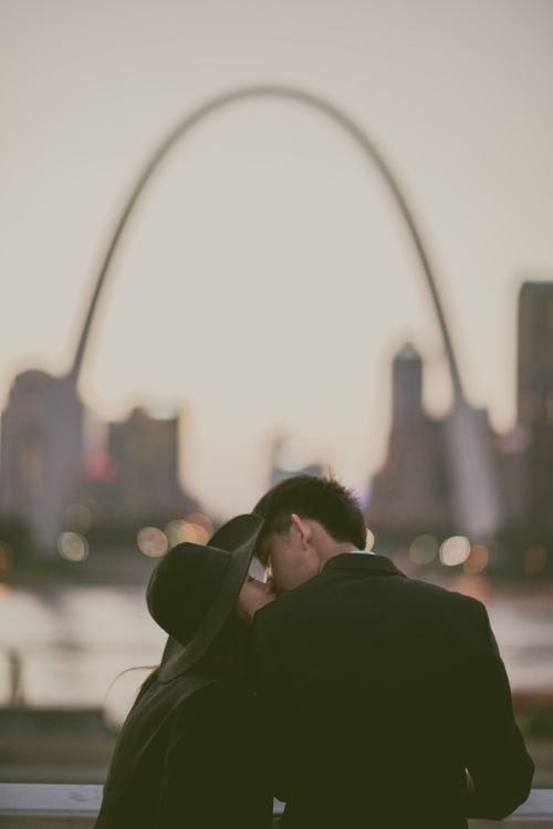 Bohemian Engagement Photos - St. Louis Skyline - Modern Wedding Photographer — Charis Rowland Photography