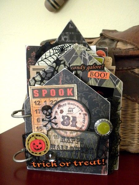 Spooky Halloween Mini Book - Two Peas in a Bucket