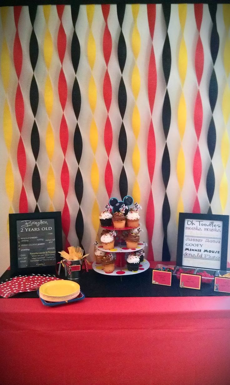 Simple birthday table decoration ideas - Super Classy Mickey Mouse Clubhouse Birthday Party Theme You Can Do Something Similar To This With Our Red Table Cloth Black Table Runner For Rental