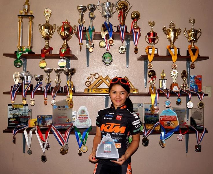 women mountain bikes champion http://whatisthebestmountainbike.com/