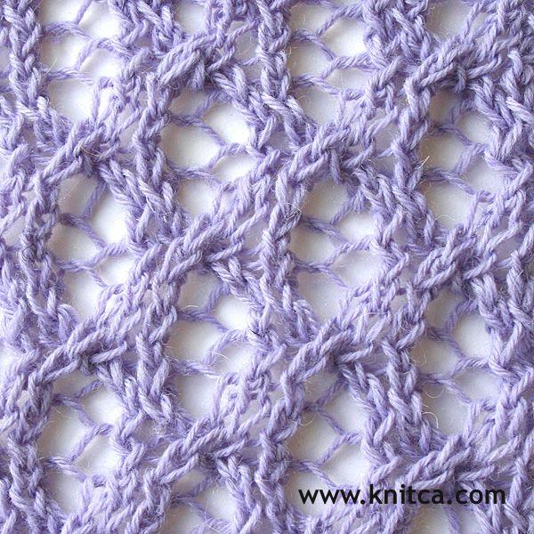 Right side of knitting stitch pattern – Lace 18 : www.knitca.com