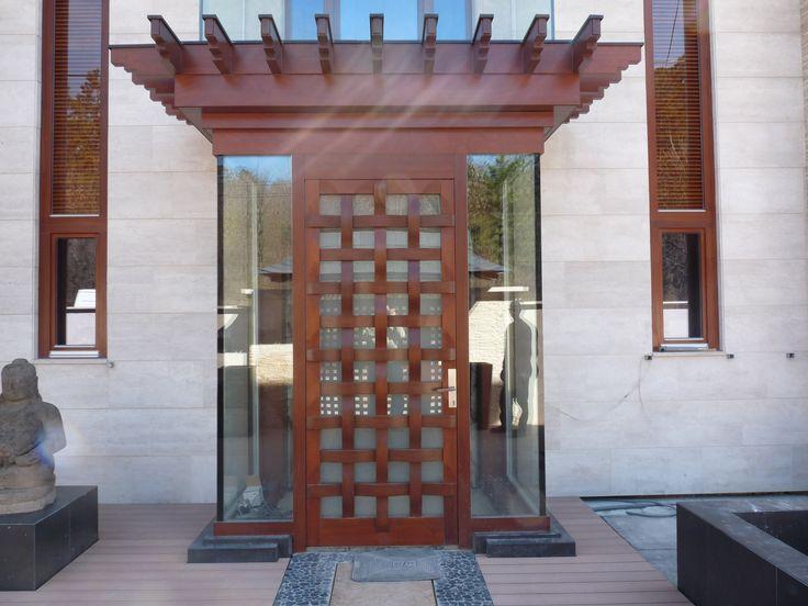 rusztikus bejárati ajtó, modern köntösben
