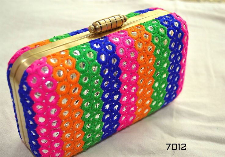 Stunning Vibrant clutch :-) lovely colors. Write us at hello@thebollywoodbazaar.com for enquiries. Log in to www.thebollywoodbazaar.com for unlimited range of products.