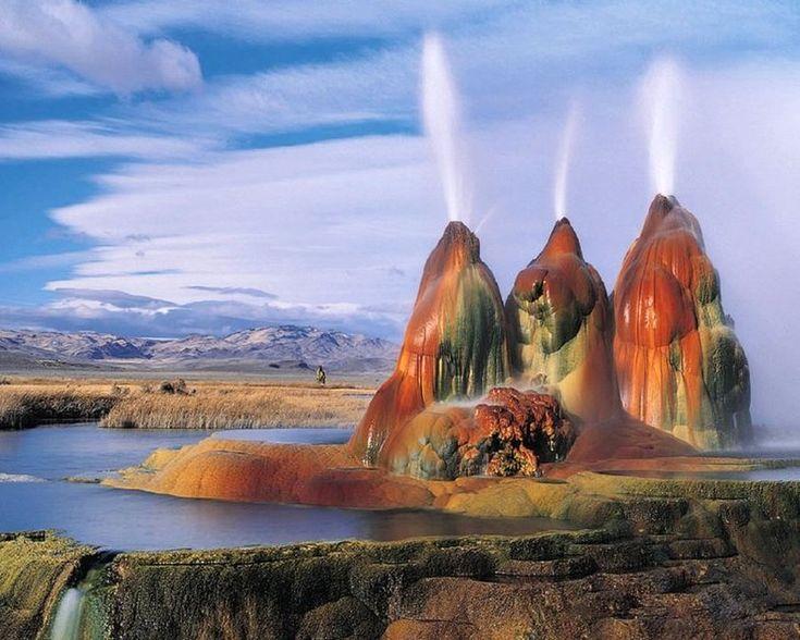 Пустыня Блэк Рок в штате Невада. «Черная пустыня» в американском штате Невада является частью высохшего доисторического озера Лаонтан, которое существовало 18 тысяч лет до нашей эры.