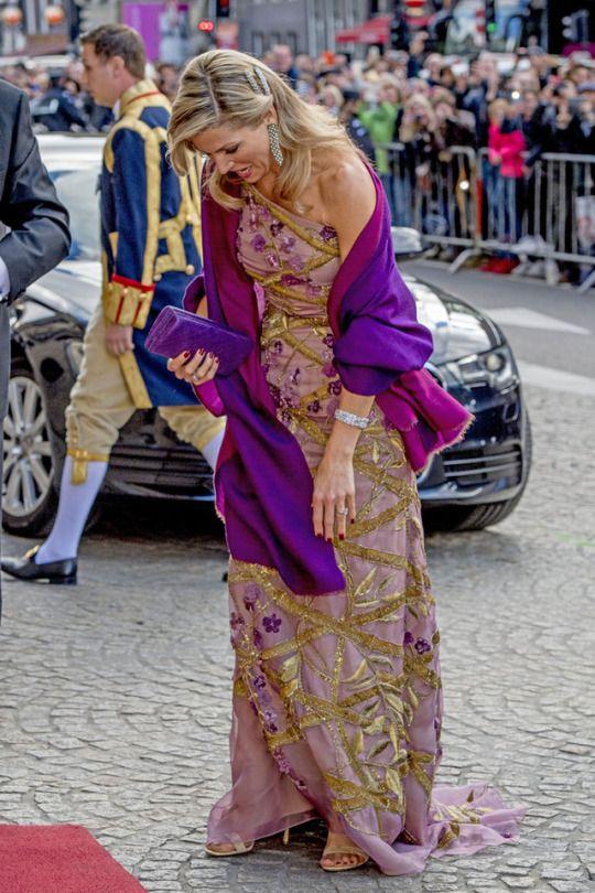 28/04/2017, queen Máxima in a beautiful new gown by dutch designer Jan Taminiau.
