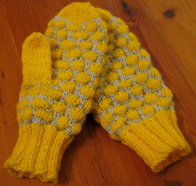 Clast - mittens pattern by Stefania Pilla  *Free Pattern