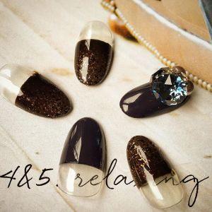 バレンタインはチョコレートみたいなネイルがしたいけど、チョコみたいなデザインは少しかわいすぎるかも…。そんな人におすすめな、今からでも使えちゃう「ブラウンカラー」を使ったネイルデザインをご紹介します♪
