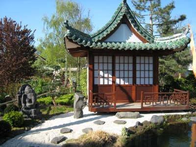 japanischer garten japanischer h user und sch ne g rten. Black Bedroom Furniture Sets. Home Design Ideas