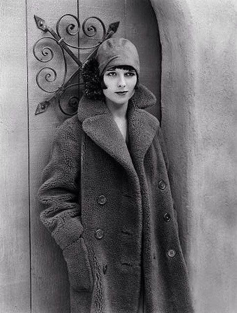 Танцовщица, модель и актриса немого кино Луиза Брукс. США. 1920-е. - При-кол