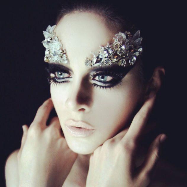 diamond eyebrows