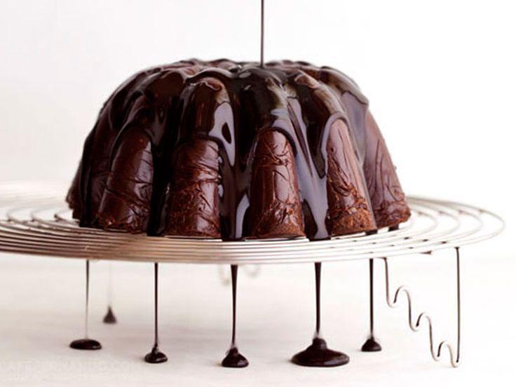 Ganache με nutella. Θα σας ενθουσιάσει η συνταγή στο γλυκό αυτό. Ganache με nutella, ολόκληρα μπισκότα και γλάσο σοκολάτας…