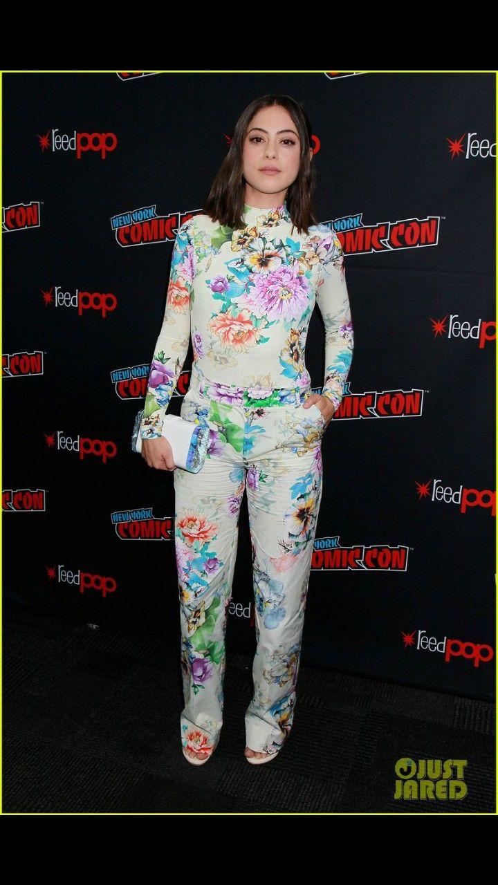 Rosa Salazar Hot Fashion Fashion Style