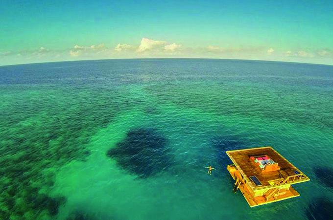 Uniek onderwater hotel in Tanzania waar je tussen de vissen slaapt - ThePerfectYou.nl