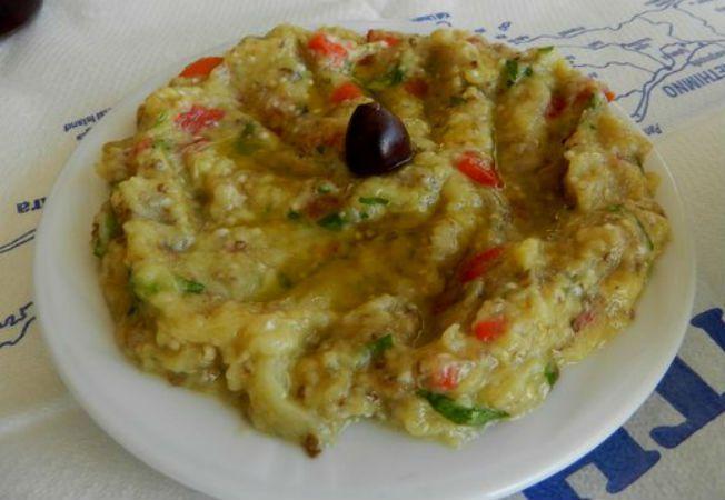 Salata de vinete greceasca, ideala in zilele de post