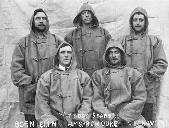 Duffle Coats abord HMS Iron Duke 1919                                                                                                                                                                                 More