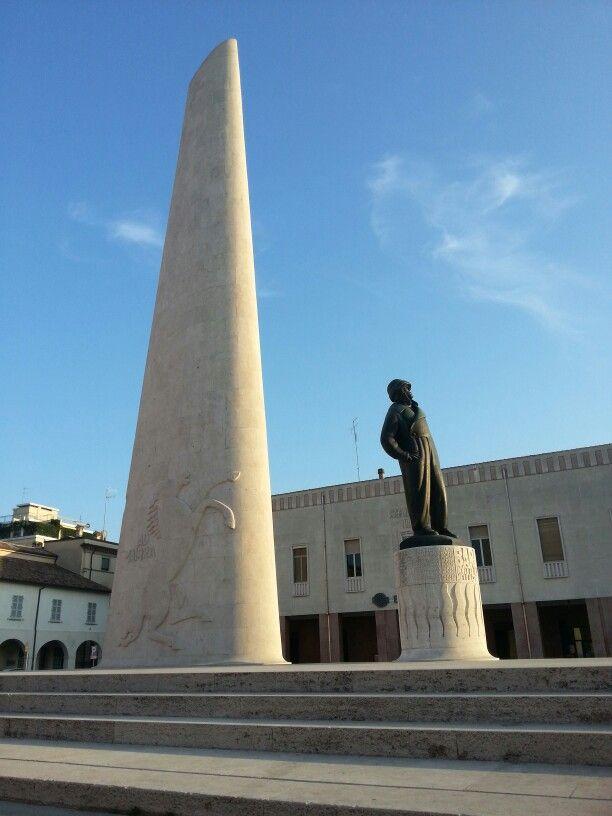Lugo - Monumento Francesco Baracca