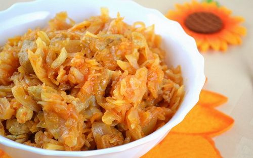 Тушеная капуста. Рецепты тушеной капусты. Как правильно готовить тушеную капусту - полезные советы. Секреты и рецепты приготовления тушеной капусты от опытных кулинаров.