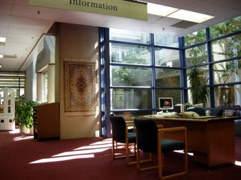 Sir James Dunn Law Library, Information Desk