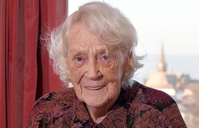 She was an elite WWII fighter saving Jews with the Dutch Resistance but  kept it a secret until her 90th birthday.   Modest gran reveals incredible hidden past.  Link for story.