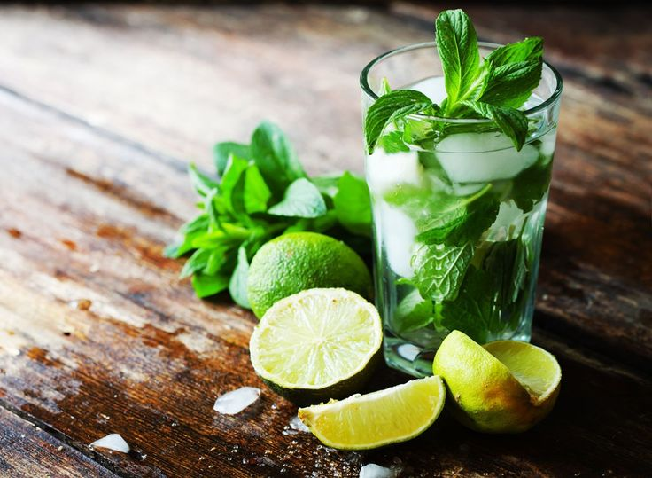 Lose weight—without skipping happy hour—with these low sugar drinks. Mojitos and mint juleps are just some of the low calorie cocktails that made the cut.