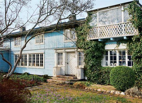 Tusenkunstneren Bjørn Wiinblad (1918-2006), His blue house in Copenhagen Denmark. Will become a museum