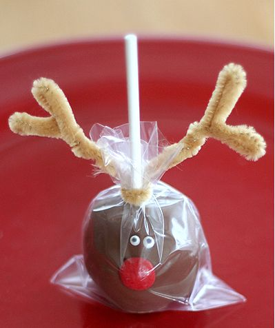 Party Frosting: christmas http://lisastorms.typepad.com/lisa-storms/2010/12/rudolph-cake-pops.html A suggestion to make them using Buckeyes!