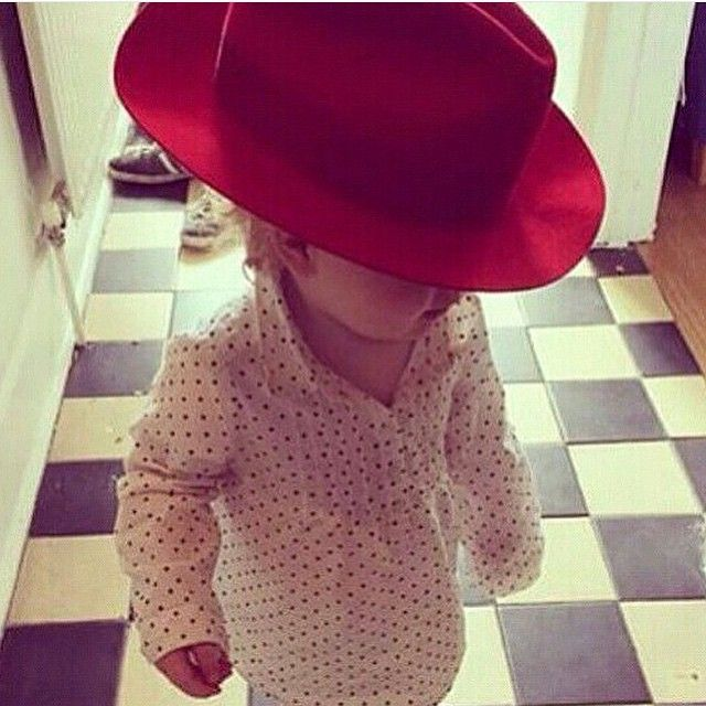 #ShareIG  #jamiedornan #ameliawarner #dulciedornan #baby #cute #cuteness #love #family #fiftyshades #fiftyshadesofgrey #fsog #dakotajohnson
