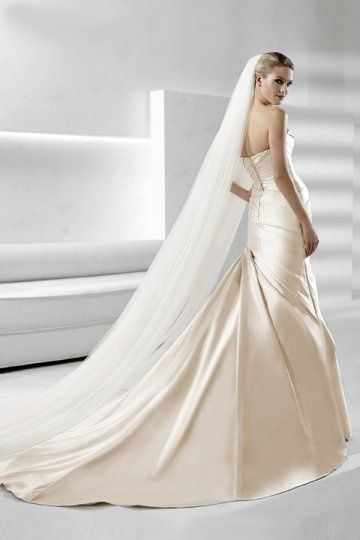 Pleated Strapless Mermaid Satin Wedding Dress