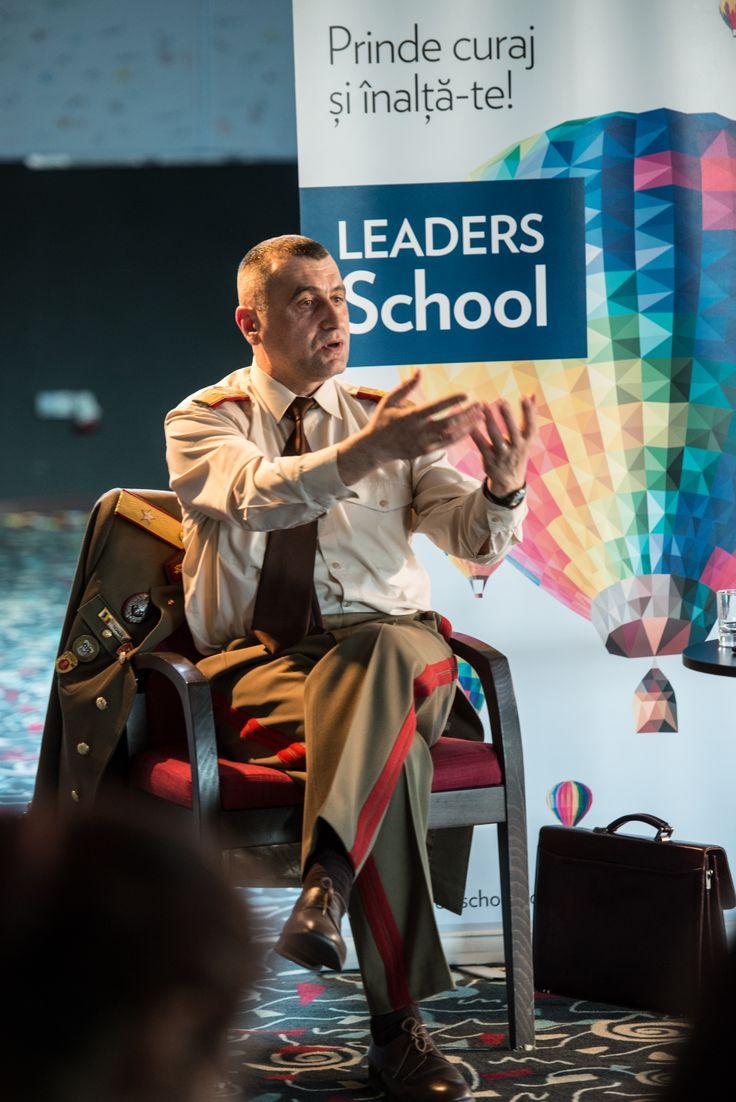 Dl. General Vasile Roman in cadrul LEADERS School editia a 13-a, inspirand o noua generatie de tineri lideri. #leadersschool