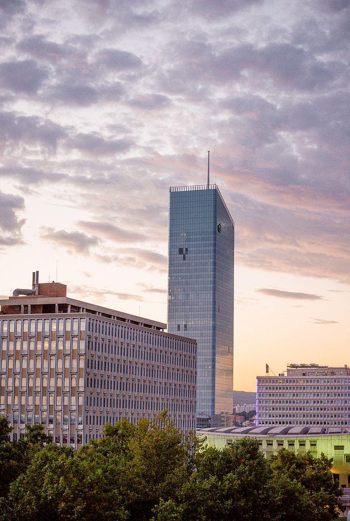 LYON | Tour Incity | Valode & Constantin | 202m | 40 étages | Construite | 2011-2015 - Page 445 - SkyscraperCity
