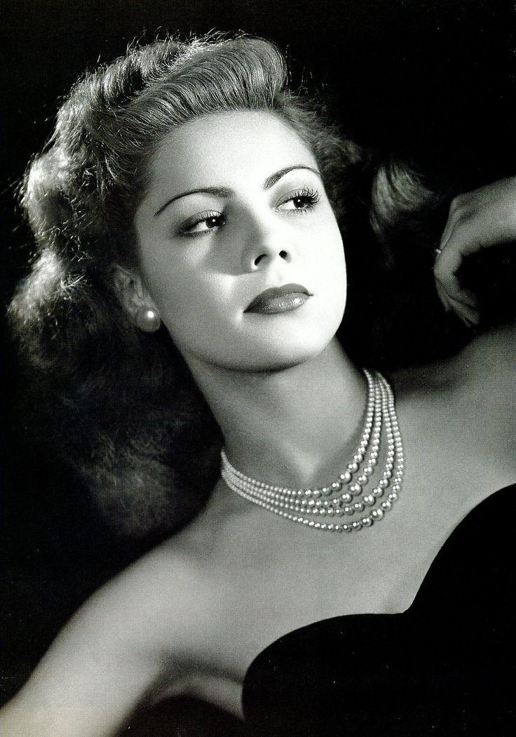 Lilia Prado. Fue una actriz mexicana, considerada una de las grandes actrices de la Época de Oro del Cine Mexicano.