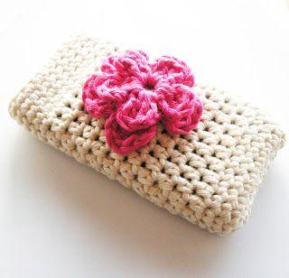 Annemarie's Haakblog: Free pattern for crochet Iphone-case & flower