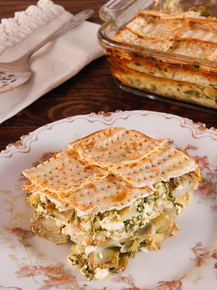 Spinach, Feta & Artichoke Matzo Mina - Greek-Style Sephardic Matzo Casserole Recipe. Vegetarian Passover Seder Entree. #PassoverPotluck