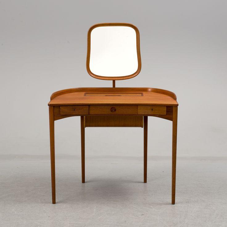 """CARL MALMSTEN Toilettbord, """"Birgitta"""", Bodafors möbelfabrik, 1960-tal."""