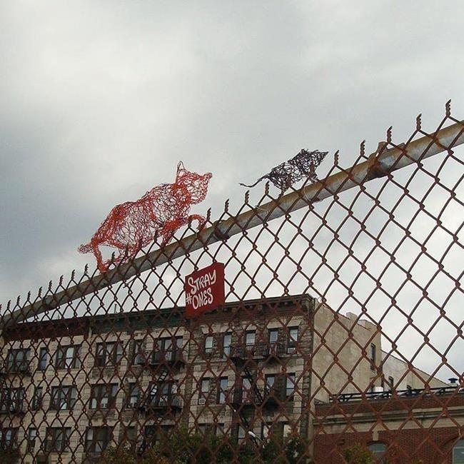 Kedi Sevdalısı Heykeltraş Strayones'tan Tel ile Tasarlanmış Kedi Heykelleri Sanatlı Bi Blog 10