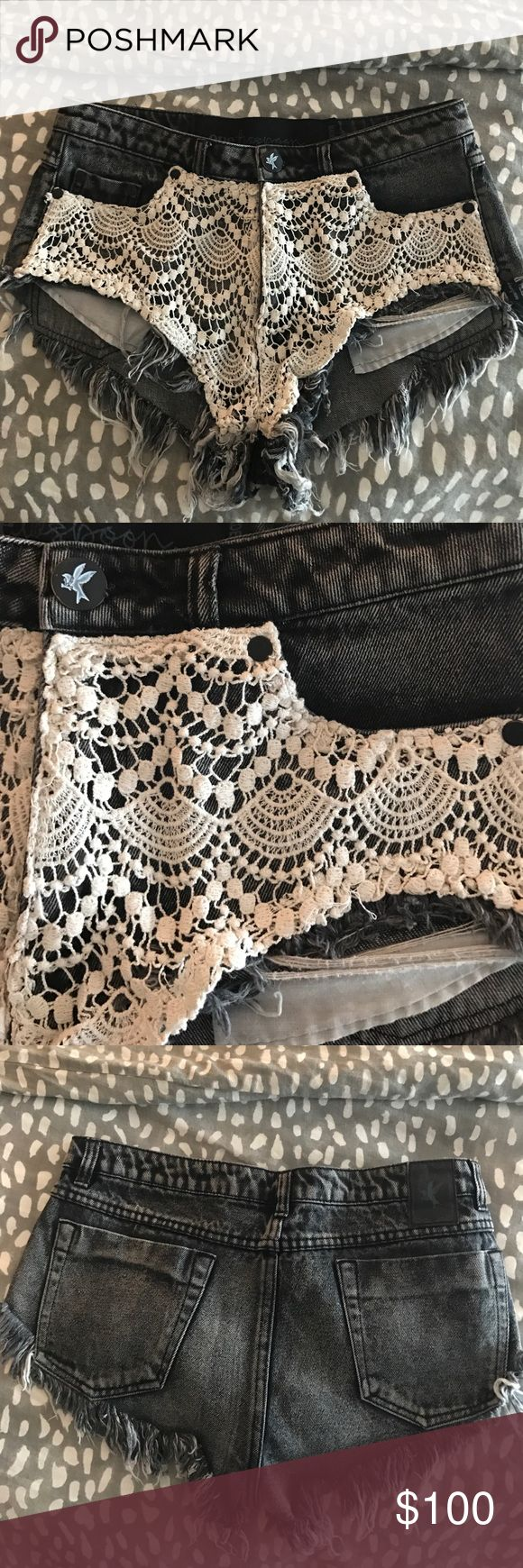 One teaspoon Rocco roller lace shorts sz 26 Amazing condition! Like new!! Size 26. Pockets provide more coverage in front fuller lower coverage in back. A washed darker grey with cream lace. You will 😍 One Teaspoon Shorts Jean Shorts