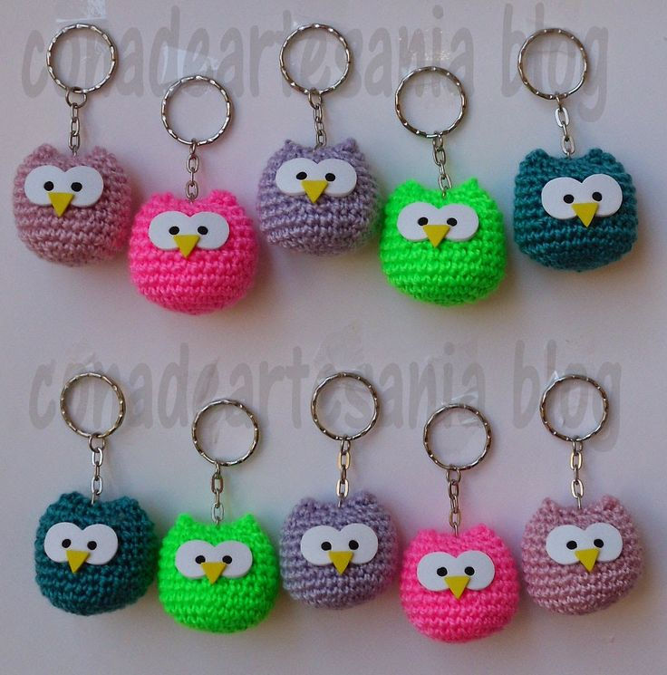 Os dejo el enlace de descarga del patrón. http://www.ravelry.com/patterns/library/baby-owl-ornaments