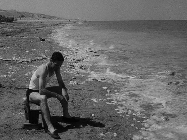Foto di Pier Paolo in un momento di pausa in Palestina.