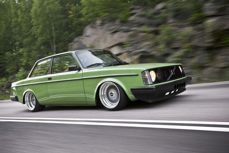 Ärtgrön stance-Volvo med turbosexa Volvo med BMW-maskin – Bilsport