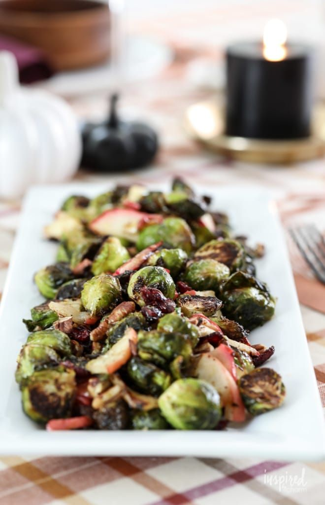 These Roasted Brussels Sprouts with apple, cranberries
